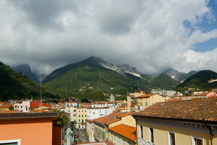 There and back again, part 2: Carrara